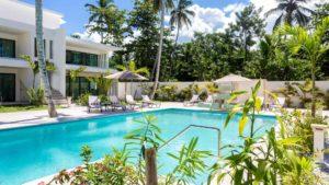 louisa aparthotel dominicana piscina