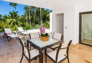 louisa aparthotel dominicana terraza mesa