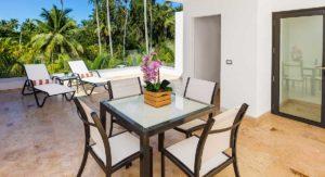 louisa aparthotel dominicana galeria terraza mesas